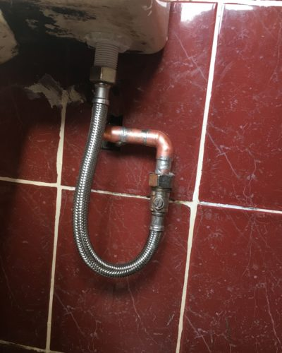 Emergency repair on leaking pipe